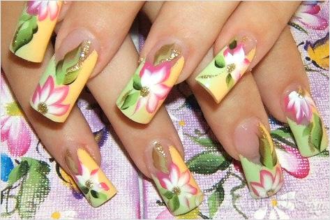 Как рисовать на ногтях смайлики ...: pictures11.ru/kak-risovat-na-nogtyah-smajliki.html